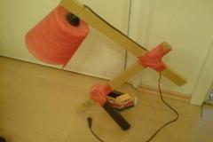 Lampe aus recycelten Materialien